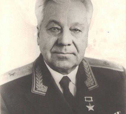 Ляпидевский Анатолий Васильевич.